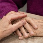 What To Expect When Navigating Hospice Care With a Loved One
